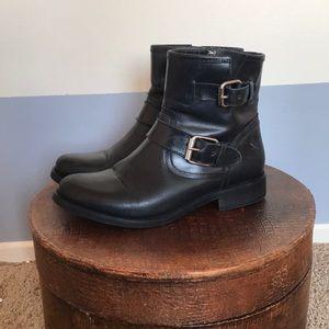 Steve Madden Cain boots